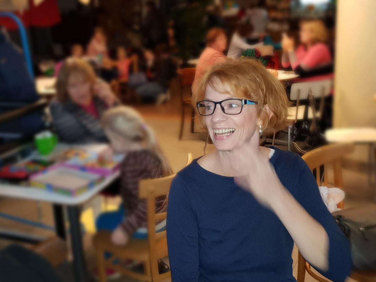 Alžběta Bělovská, lektorka FIE